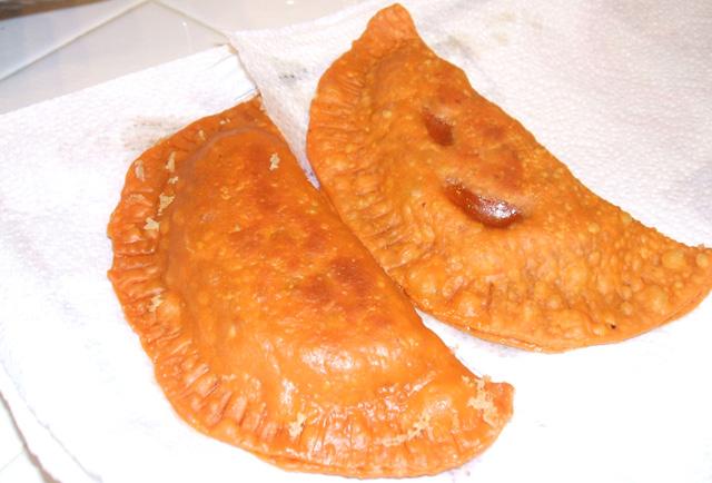 Pastelitos De Carne Hondurenos