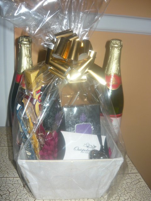 A gift basket for her multi cultural cooking network a gift basket for her negle Images
