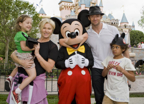 Хью Джекман с семьей