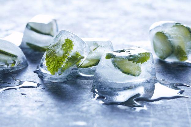 1501836028-frozen-herbs-in-ice-cubes