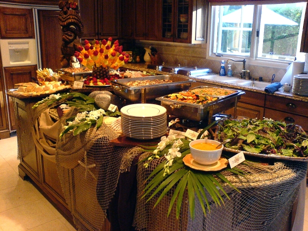hawaiianluauoc-buffet-whole-1-website.34120649