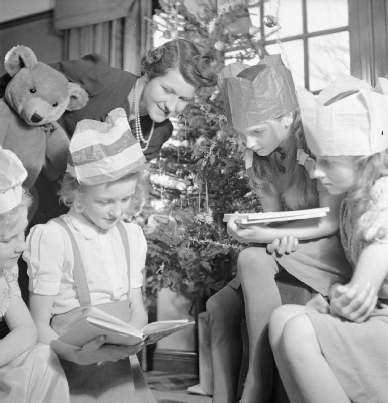 christmas_party_for_trooper_devereux27s_daughter-_christmas_in_wartime2c_pinner2c_middlesex2c_december_1944_d23014
