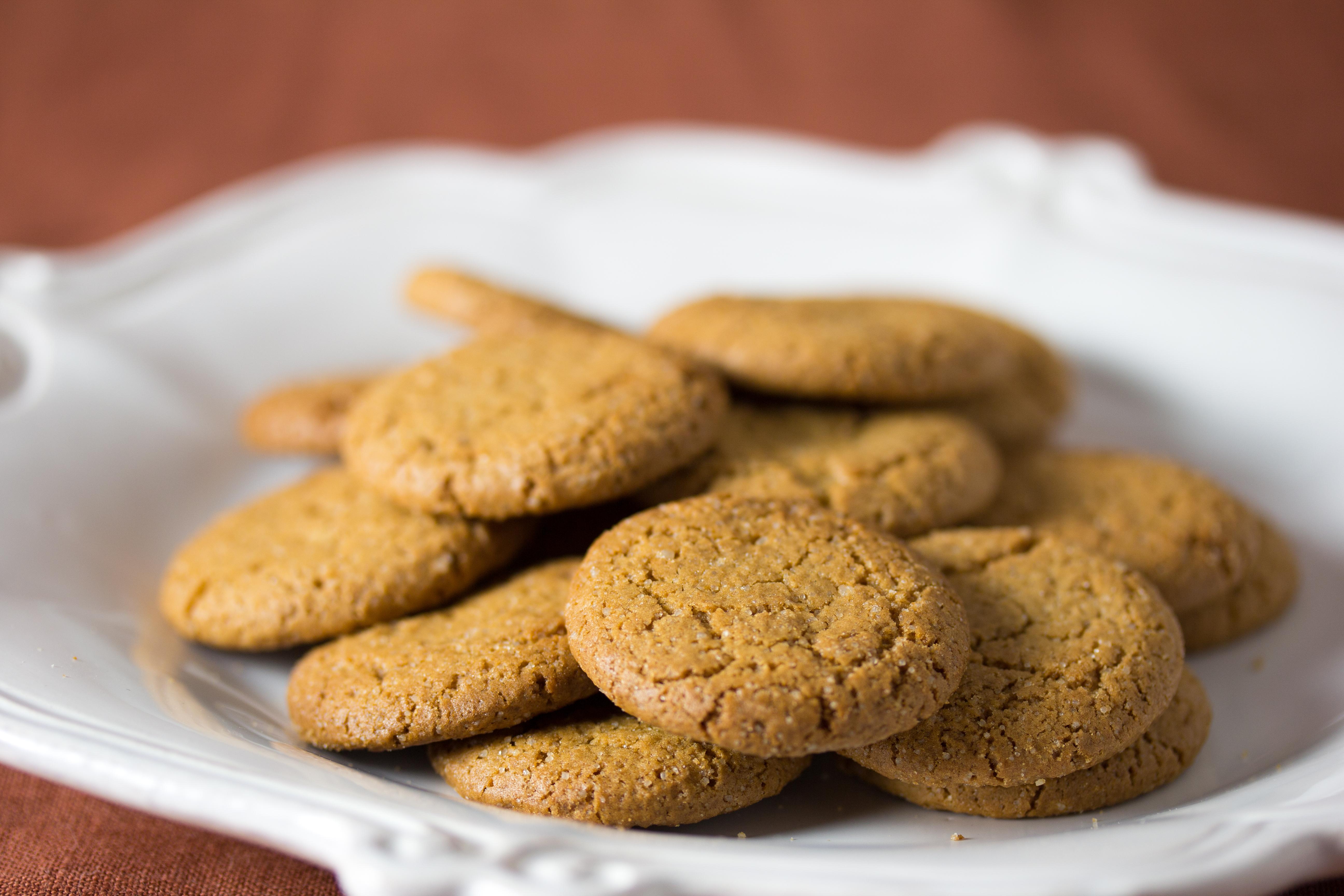 vegan_ginger_snap_cookies_28611355671329
